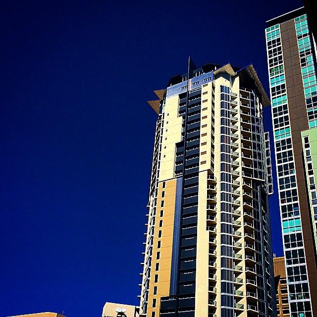 Champagne, prawns, sunshine, girlfriends, and this view. Brisbane balcony. Love it, thanks girls xxx